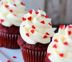 Mom-And-Daughter-Handcuffed-Baking-Challenge–Red-Velvet-Cupcakes(