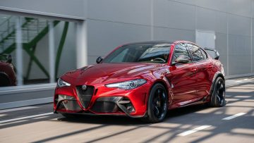 Alfa Romeo Giulia GTA is a 540hp