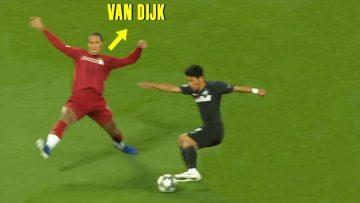 Most-Humiliating-Skills-in-Football